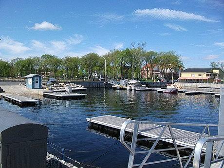 Marina de lac m gantic lac m gantic marina port for Club piscine valleyfield qc
