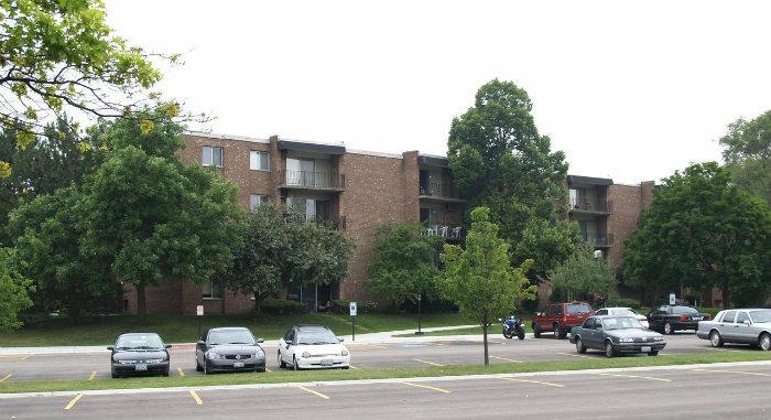 Stonebridge Village Apartments - Arlington Heights, Illinois