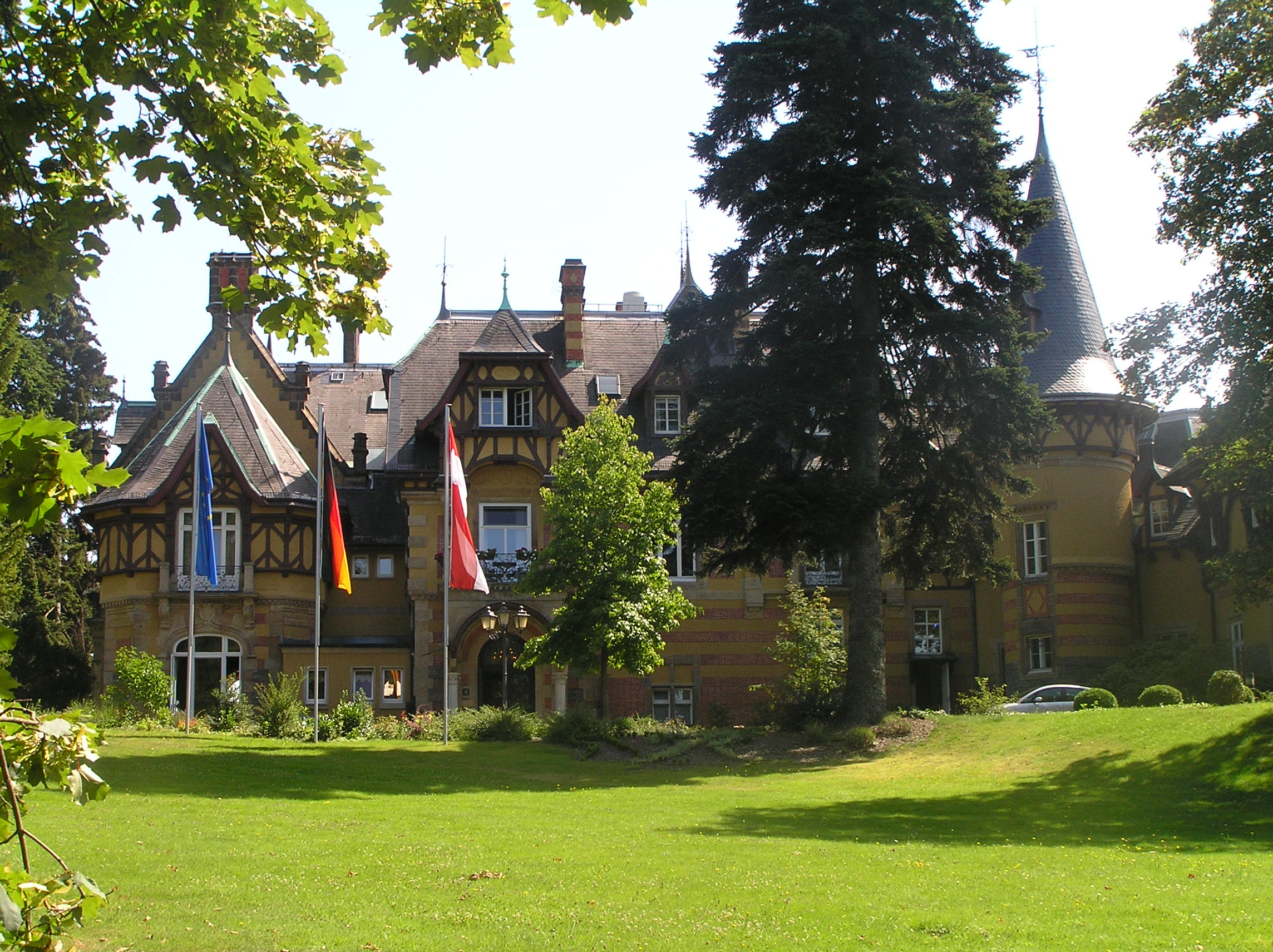 Villa Falkenstein villa rothschild kempinski frankfurt кёнигштайн таунус