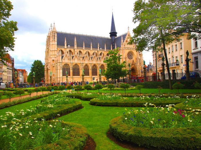 Petit sablon ville de bruxelles for Piscine de jardin belgique