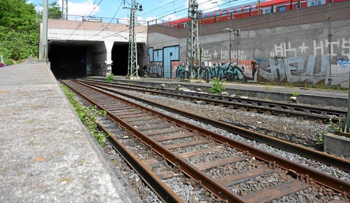 egyetlen párt frankfurt south station társkereső oldalon, hogy megfeleljen a gazdagok
