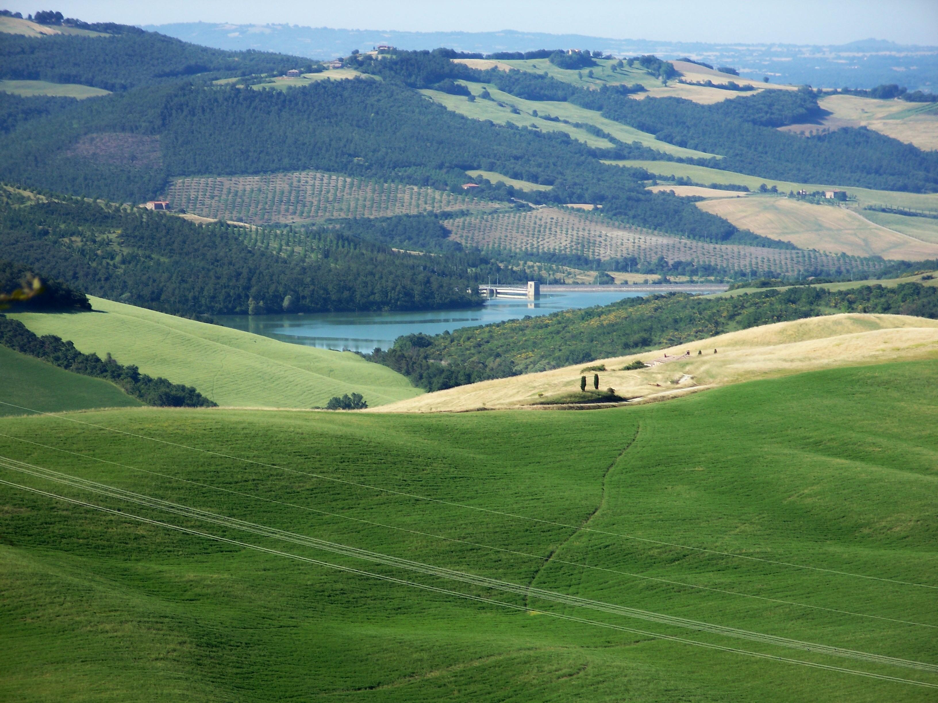 Lago di san casciano for Arredo famiglia terni