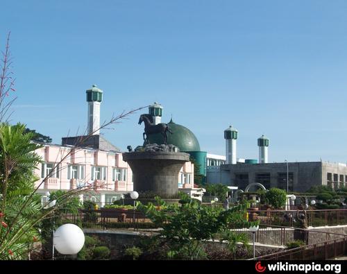 Masjid Agung Syiarul Islam & Alun-Alun Kota Kuningan ...