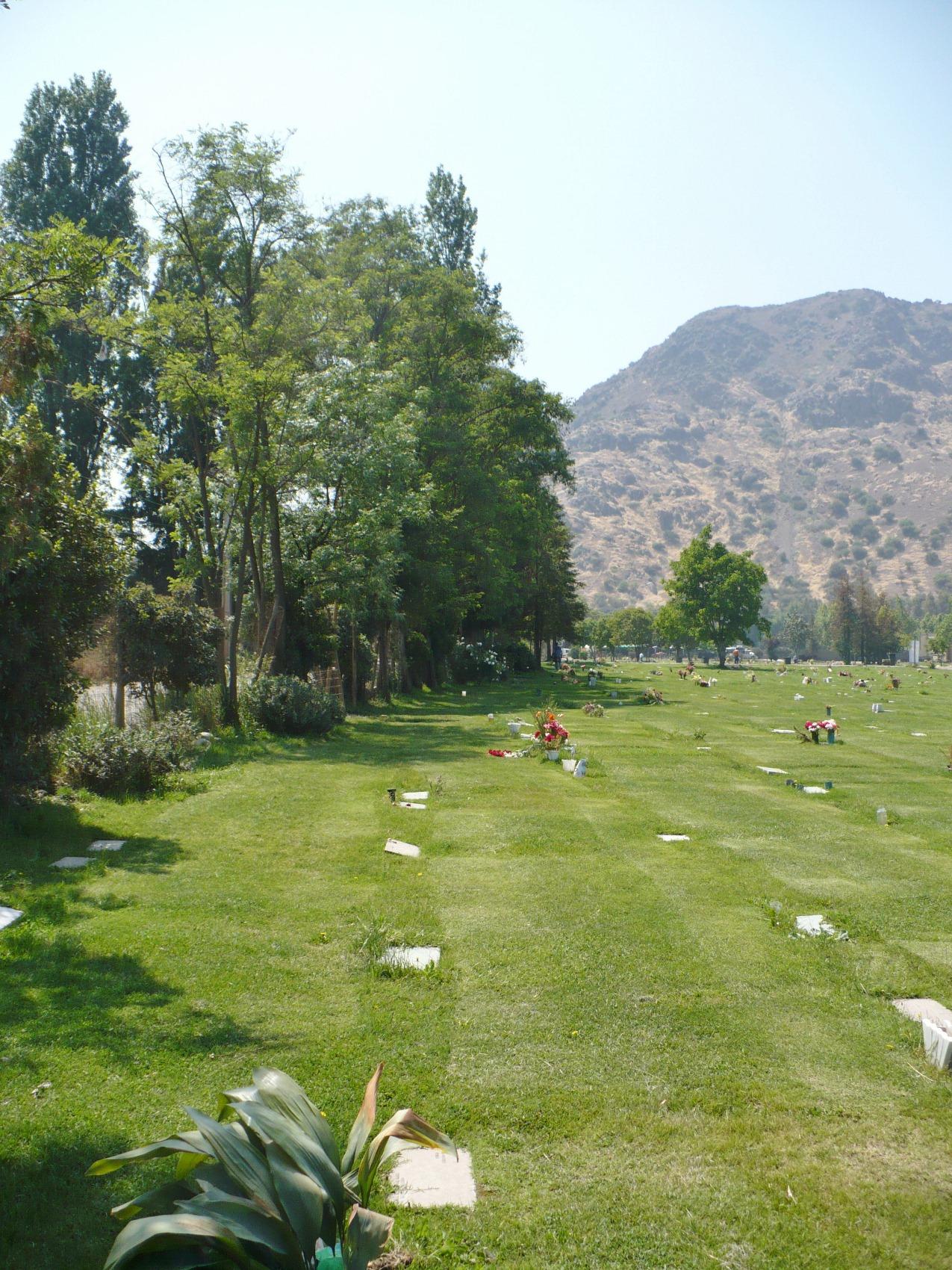 Cementerio jard n sacramental san bernardo for Cementerio jardin