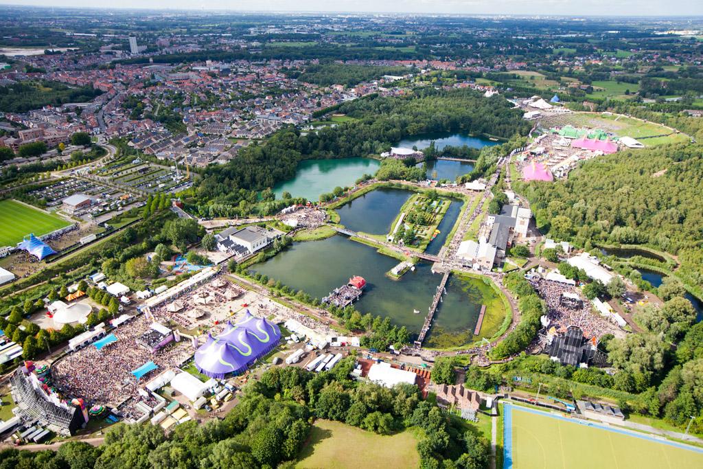 Id Amp T S Berechnung Der Tomorrowland Besucherzahlen Allgemeines Usb The Hardtechno Family