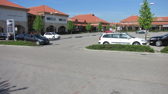 Torokbalint Hungary  city pictures gallery : About Premier outlet Biatorbágy