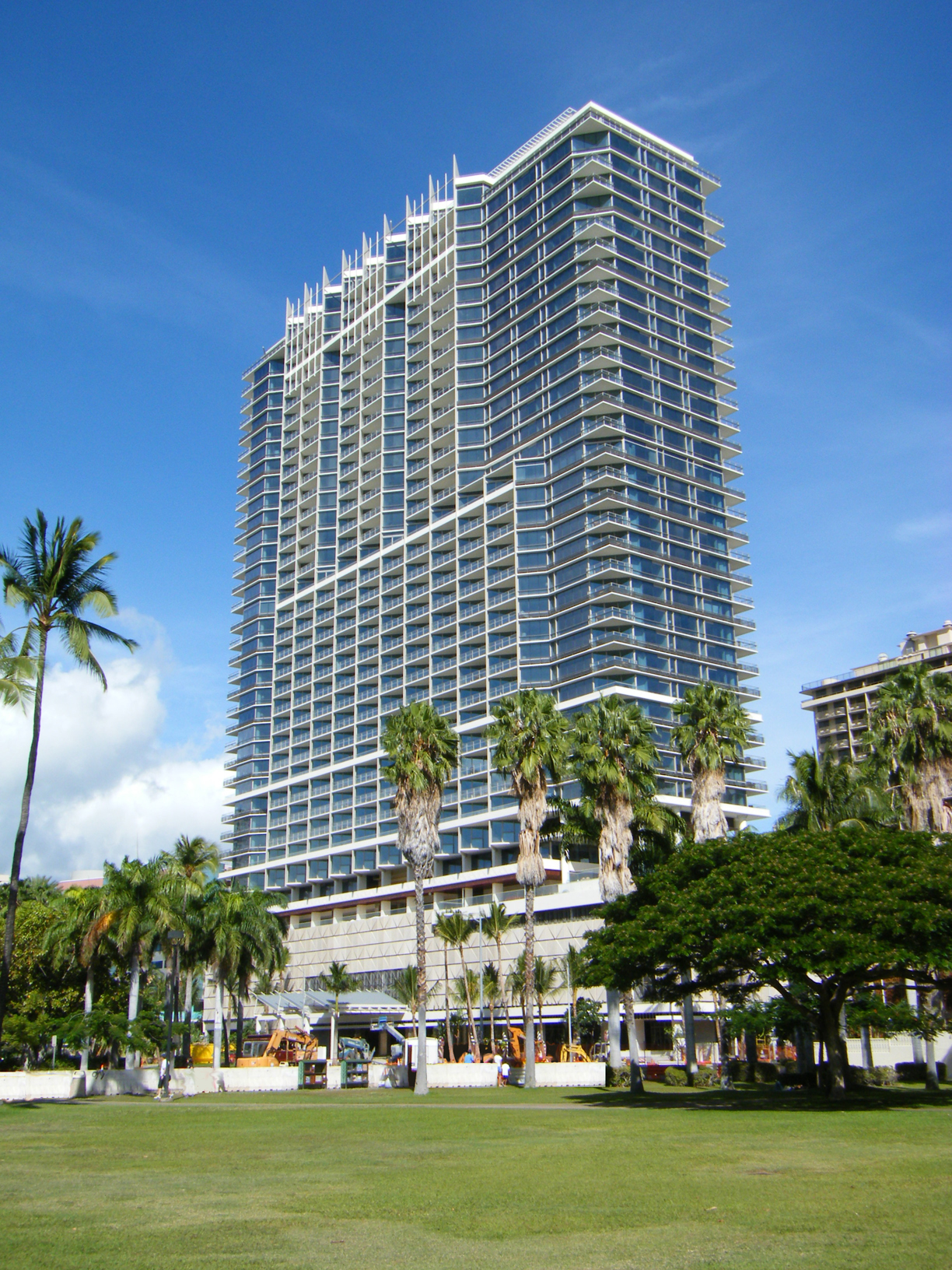 Trump Tower Waikiki Condos For Sale - Beach Cities Real Estate |Trump Tower Waikiki Hotel