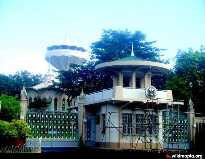 Erano g manalo 39 s mausoleum place quezon city for Terrace 45 quezon city