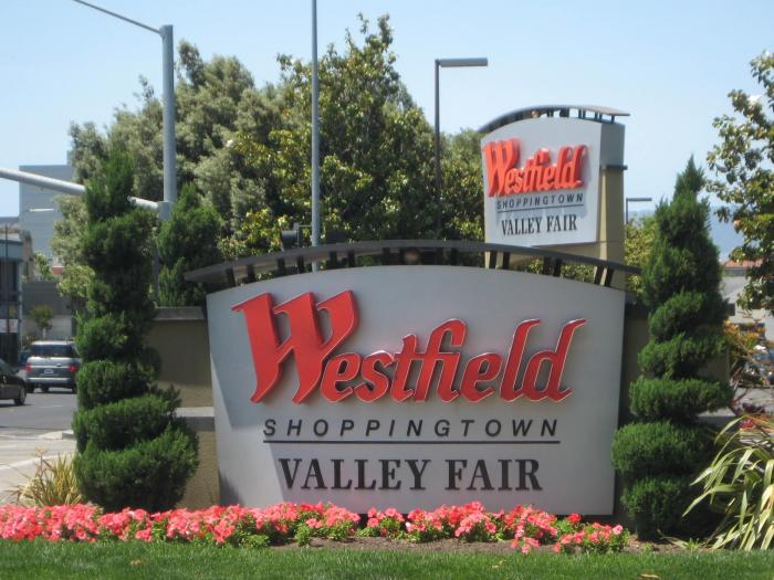 Westfield Valley Fair is a solid shopping mall and the one that I frequent most often in the San Jose area. This mall has both high-end luxury name brands as well as your average/normal brands that you'd want to get your normal run of the mill clothing items.4/4(K).