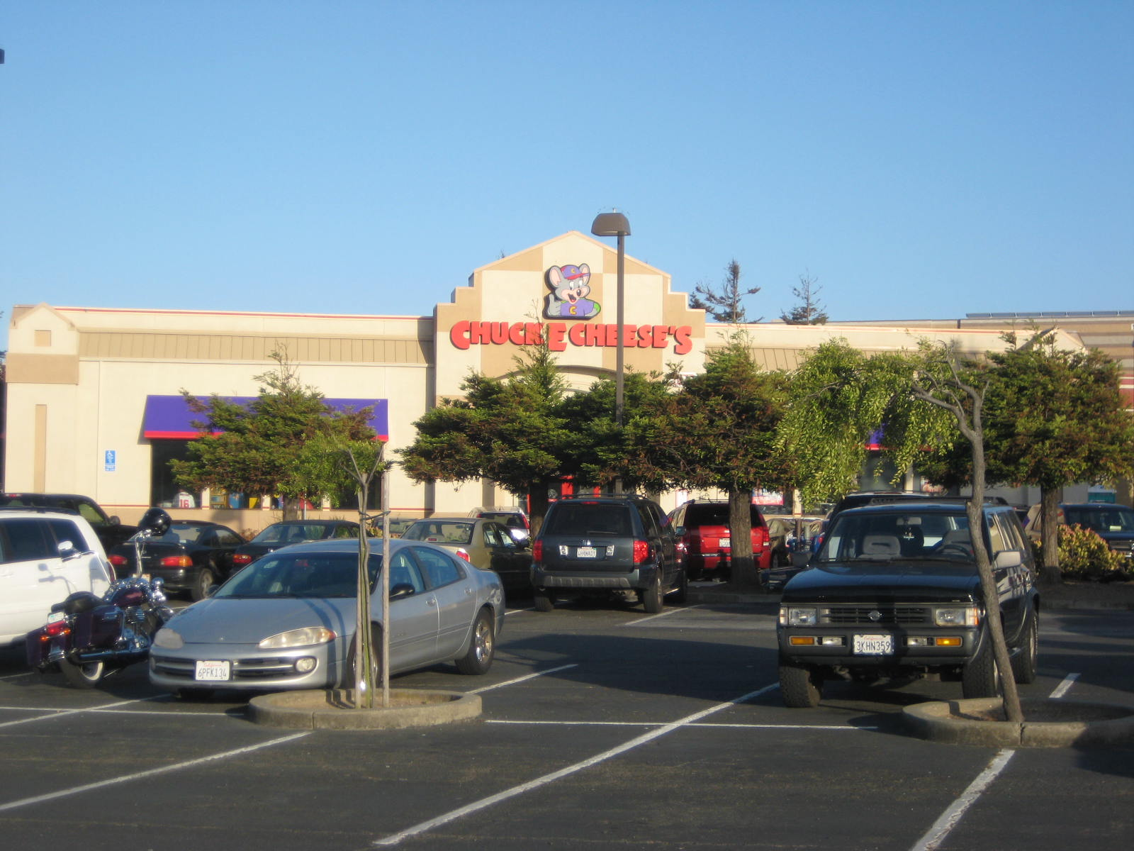 chuck e cheese california