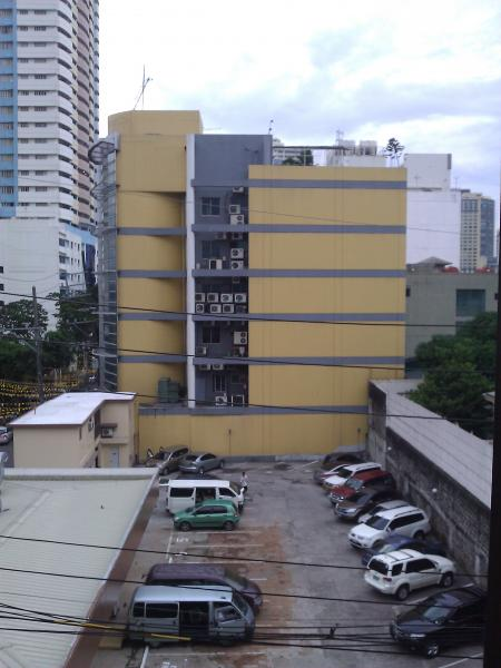 St. Luke's Medical Center Extension Clinic (SLMCEC) (Manila)