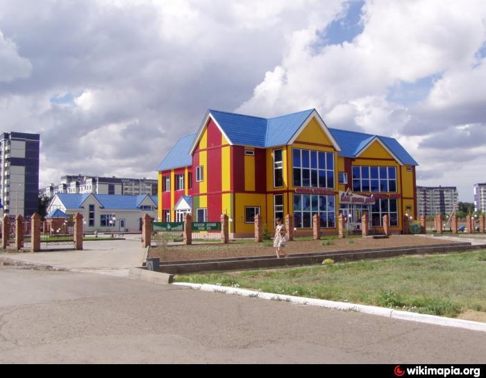 Центр досуга - это досуг, что находится на улице ул. М. Ауэзова в городе Эк