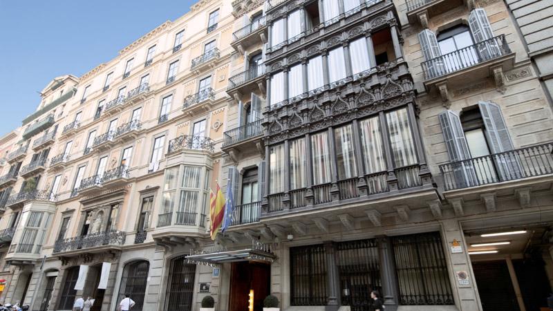 Hotel catalonia plaza catalu a for Oficina fecsa endesa