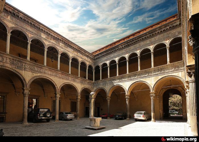 Palazzo Sanuti Bevilacqua Degli Ariosti - Bologna