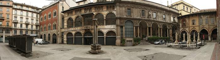 Площадь Пьяцца Мерканти МиланPiazza Mercanti