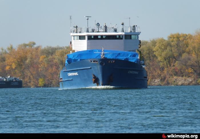 судоходный канал и рыбалка