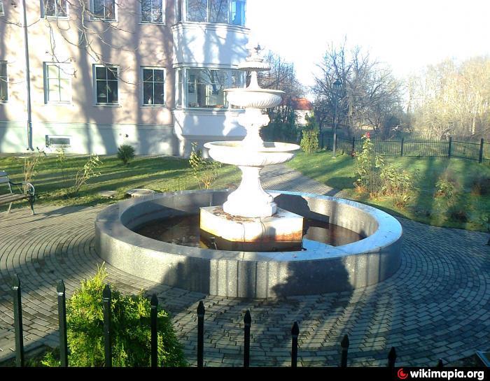 Фонтан в парке ДК. им. Герасимова