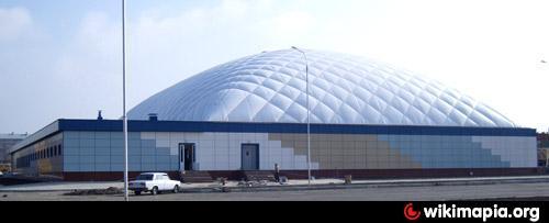 Ледовая арена - это спортивное сооружение/организация, что находится в горо