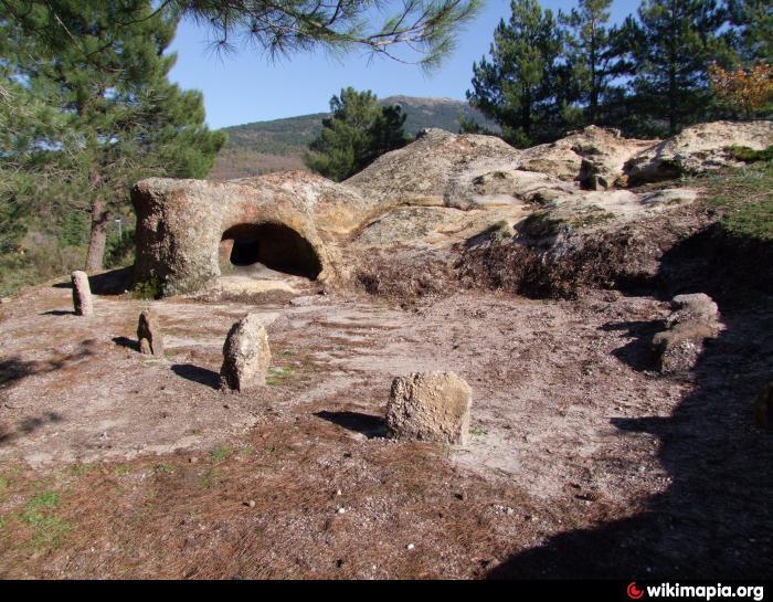 Risultato immagini per domus de Janas di Is Forreddos