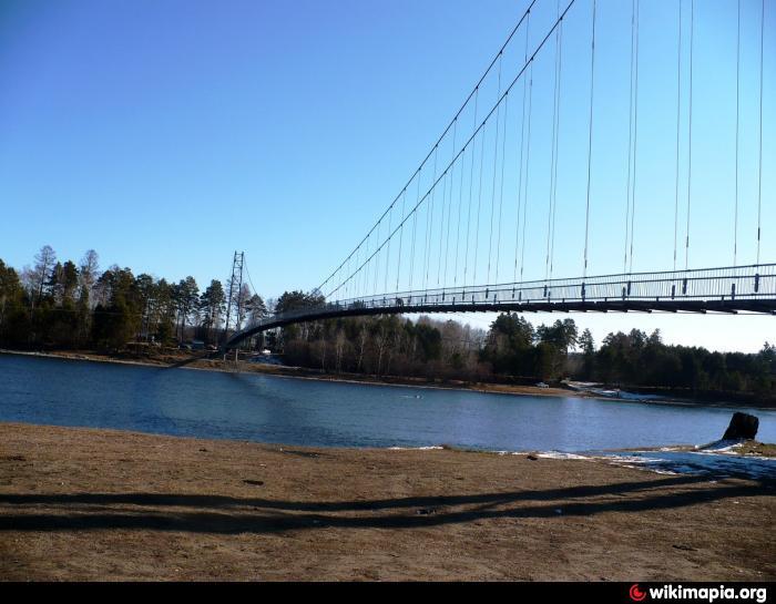 Подвесной мост через реку 111
