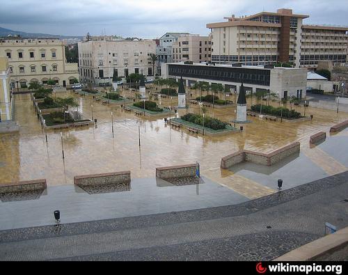 Plaza y aparcamiento p blico de las culturas melilla for Plaza de aparcamiento