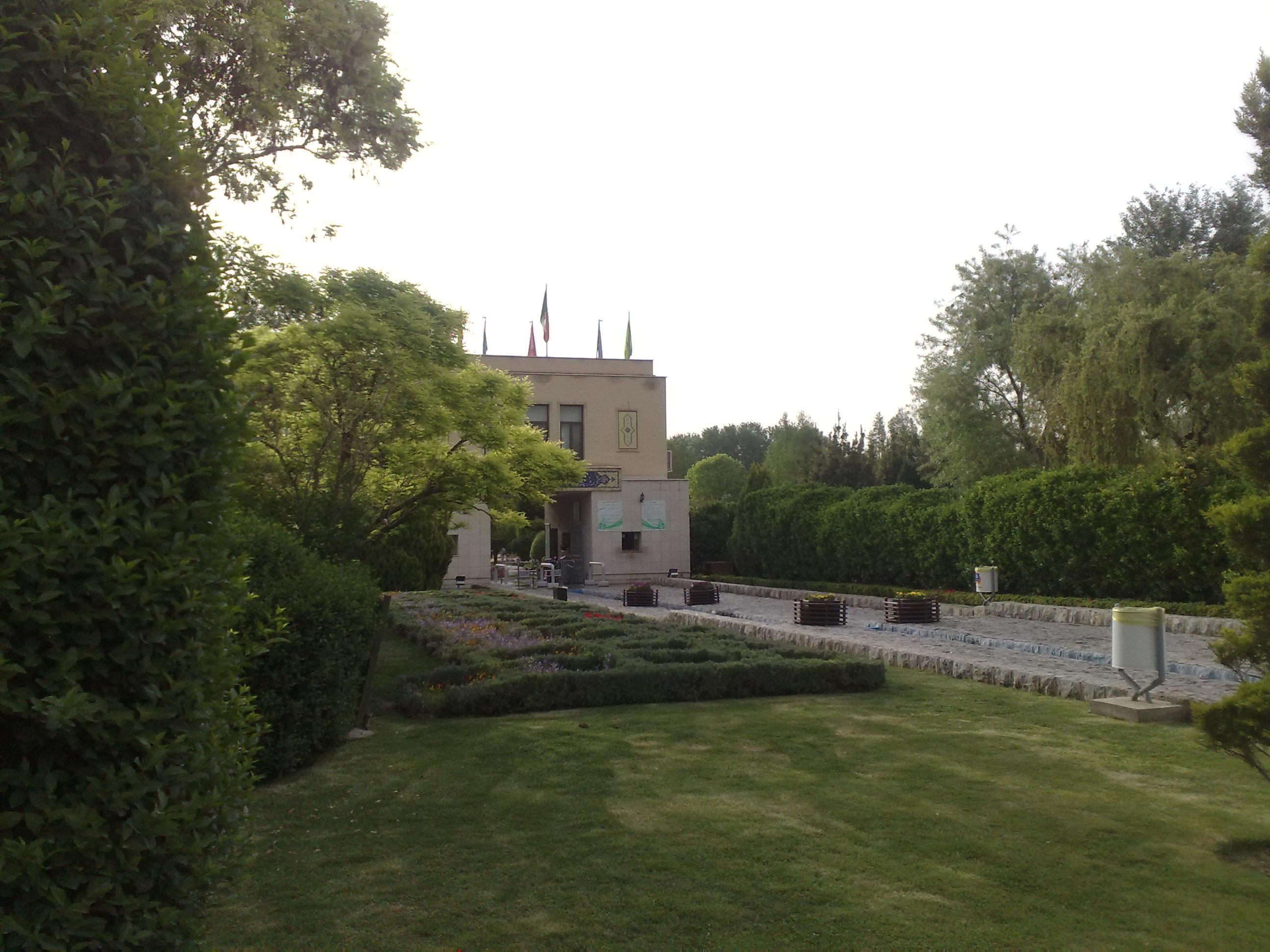 یو پی اس APC در باغملک