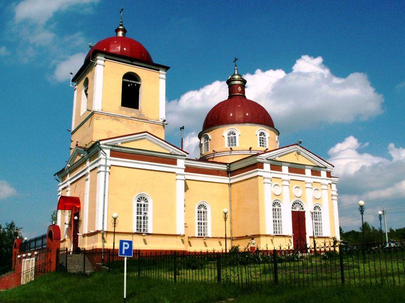 Храм Казанской иконы Божией Матери в селе Плоское Белгородской области.