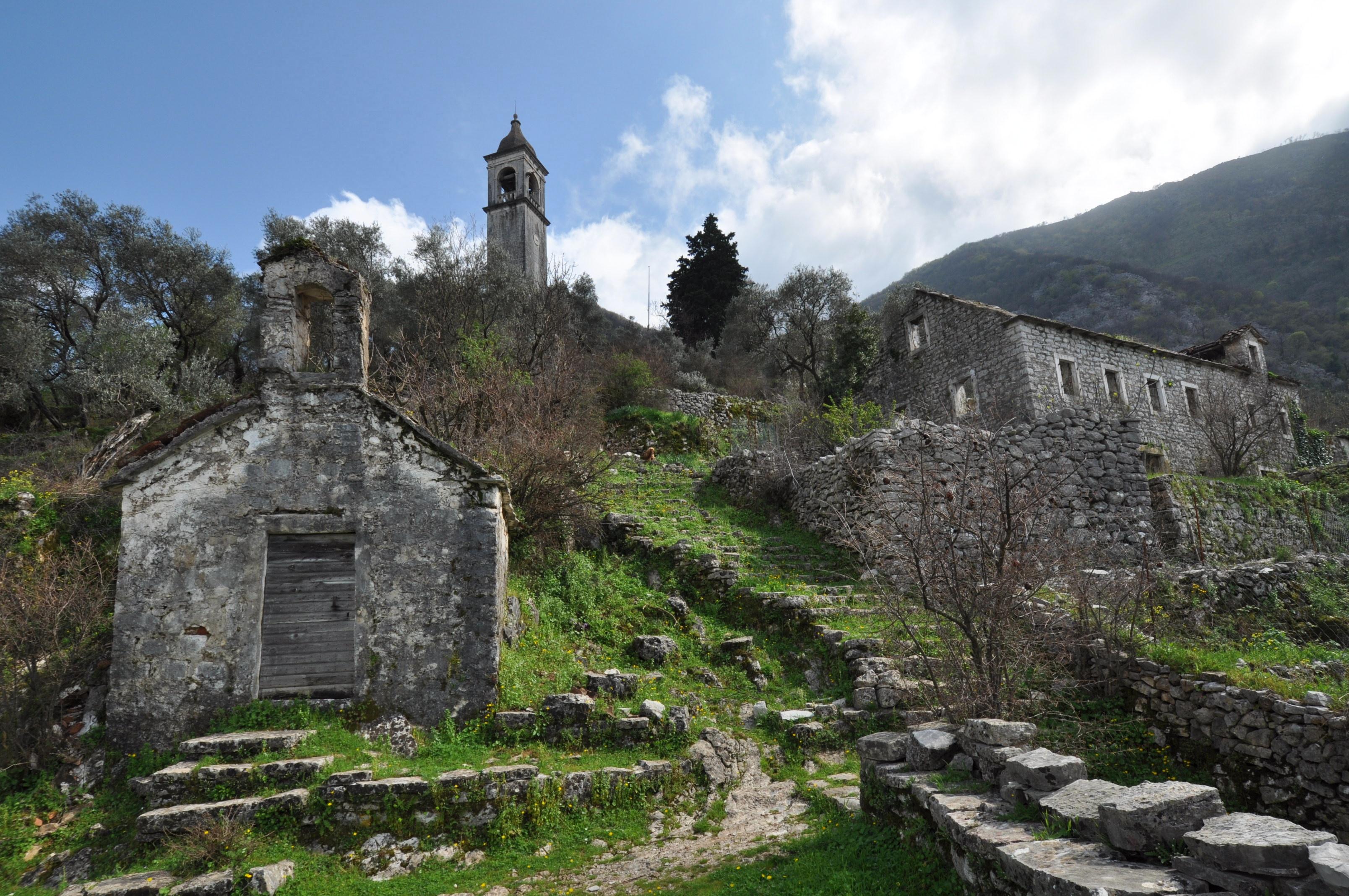 World / Serbia and Montenegro / Montenegro / Niksic , 41 km from