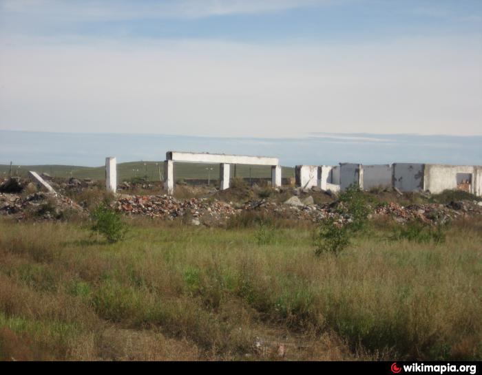 Территория бывшего автопарка - 36-я отдельная гвардейская ...: http://wikimapia.org/27597492/ru/Территория-бывшего-автопарка