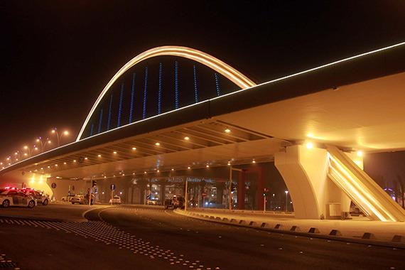 جسر تقاطع طريق الملك عبد الله مع طريق الملك عبد العزيز ...