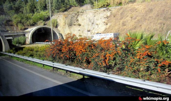 75. Yıl Selatin Tüneli , izmir