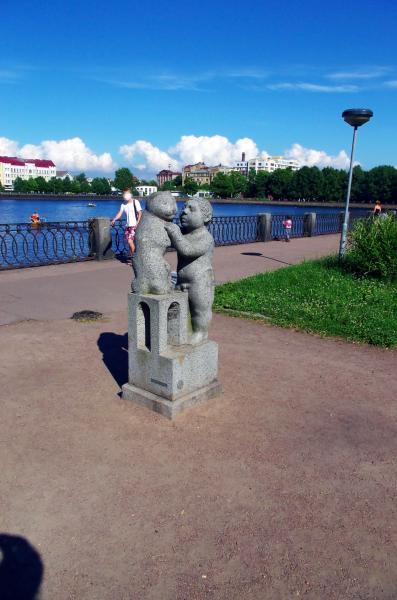 мальчик рыбарь скульптура
