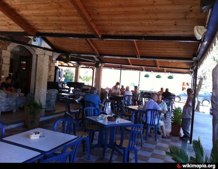 Bar peppe griglieria cornetteria sala giochi san teodoro for Centro divani olbia