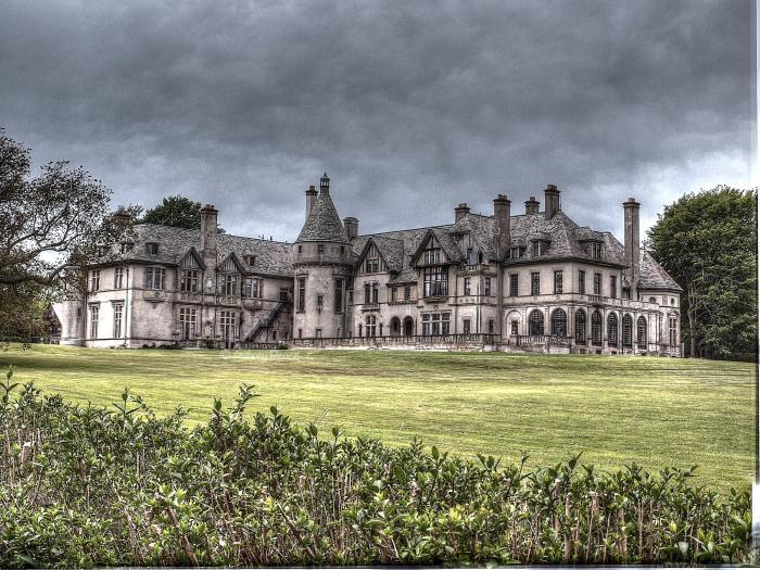 Dark Shadows Mansion Rhode Island