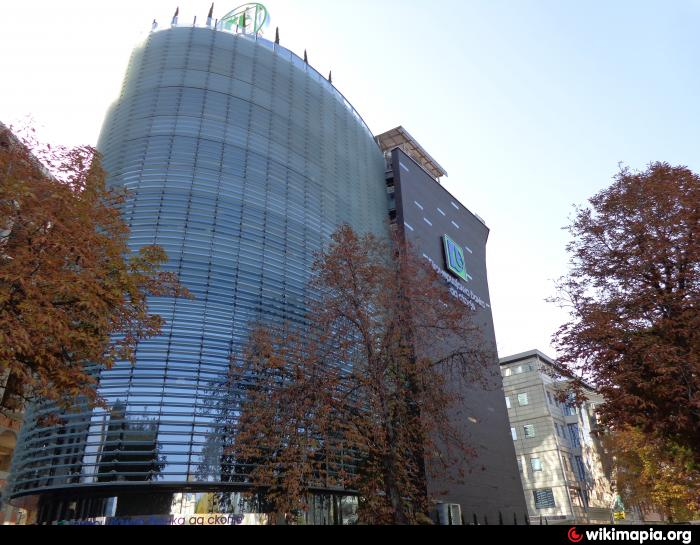 bank , administrative building , headquarters , atm / cash machine