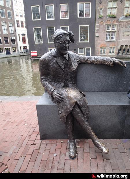 statue of majoor boshardt