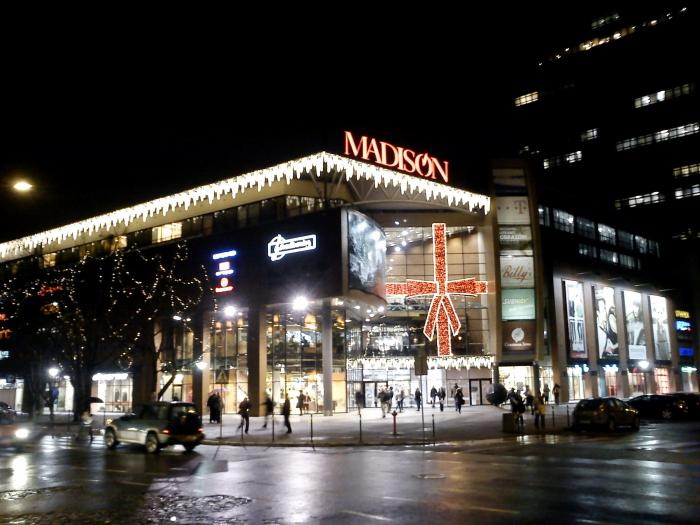 Our Madison outlet mall guide lists all the outlet malls in and around Madison, helping you discover the most convenient outlet shopping according to your location and travel plans. OutletBound has all the information you need about outlet malls near Madison, including mall details, stores, deals, sales, offers, events, location, directions and more.