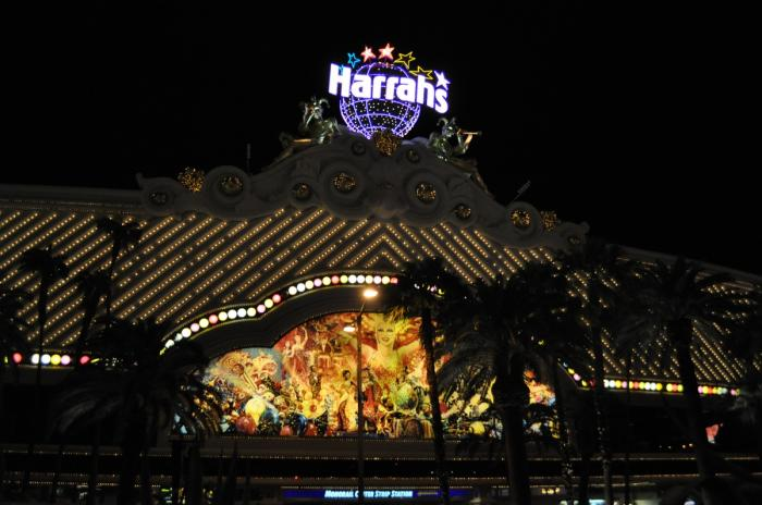 Harrahs casino las vegas parking