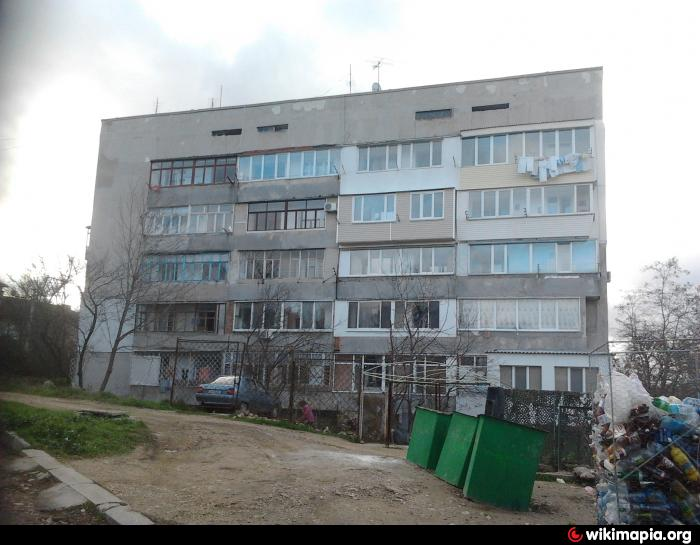 Гвардейская ул., 7 - Севастополь: http://wikimapia.org/15857119/ru/%D0%93%D0%B2%D0%B0%D1%80%D0%B4%D0%B5%D0%B9%D1%81%D0%BA%D0%B0%D1%8F-%D1%83%D0%BB-7