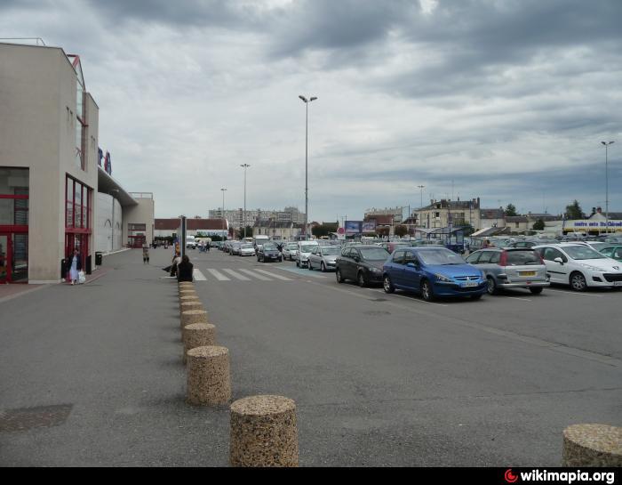 Centre commercial carrefour chateauroux for Centre commercial croix dampierre