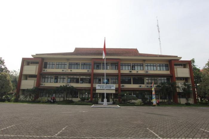 School of Electrical Engineering - School of Industrial Engineering