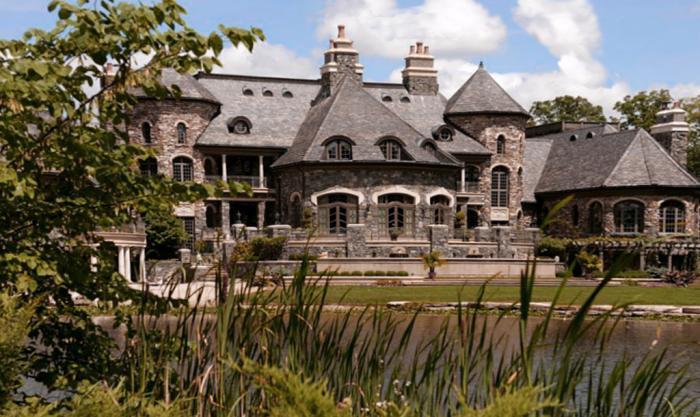 Richard Freeland Residence Freeland Castel
