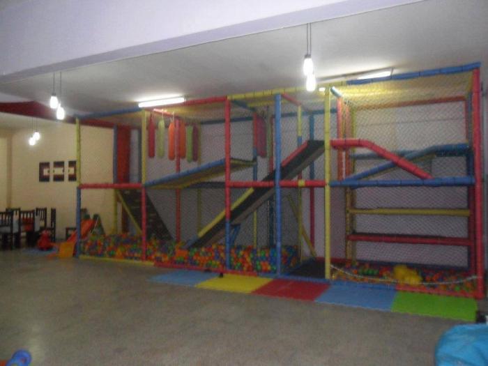 Salon de fiestas infantiles peumayen for Valla infantil carrefour