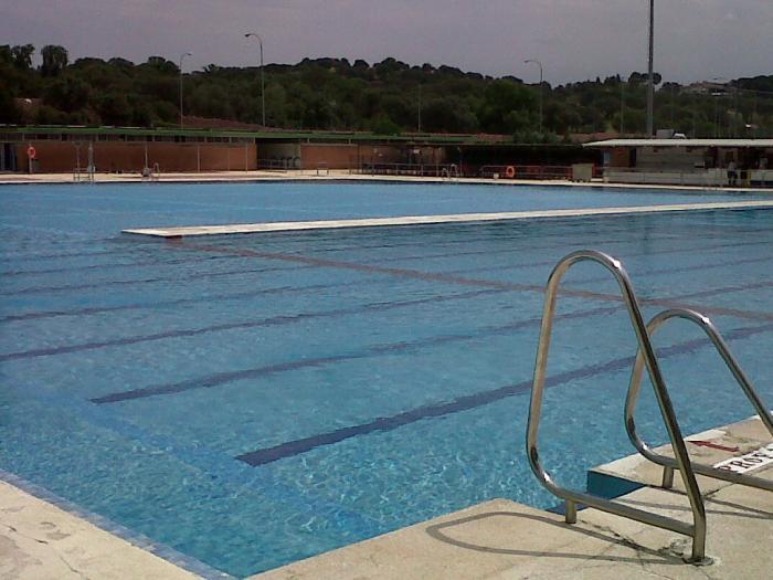 Piscina parque deportivo puerta de hierro madrid for Piscina municipal pozuelo