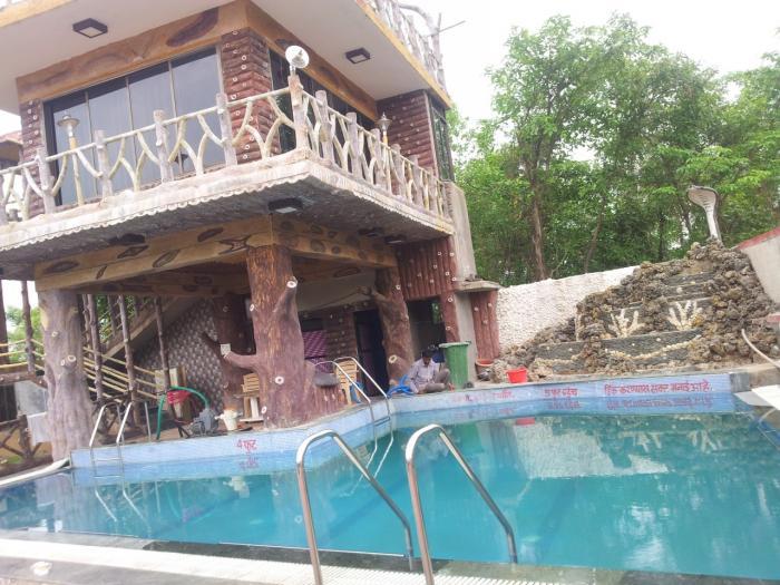 Shelke Guest House