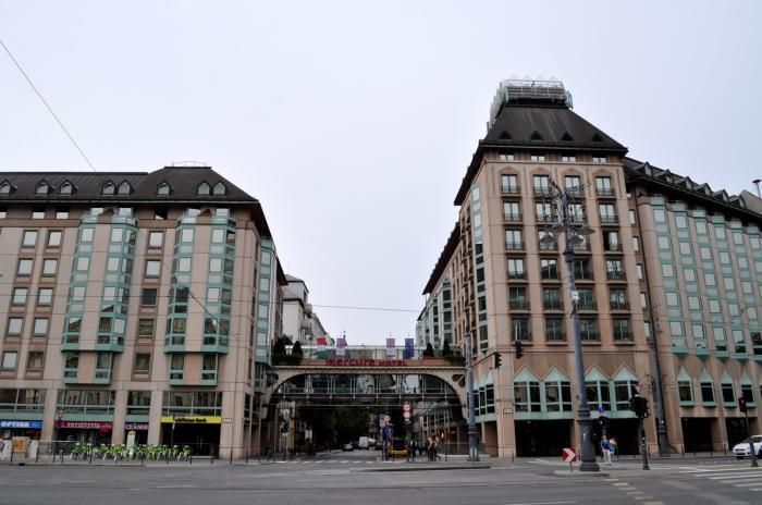 Afbeeldingsresultaat voor hotel mercure korona budapest hungary