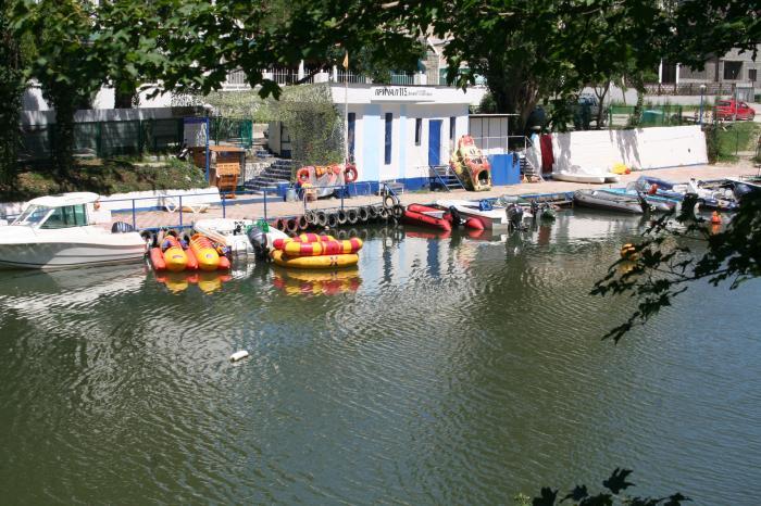 прокат лодок на москва реке