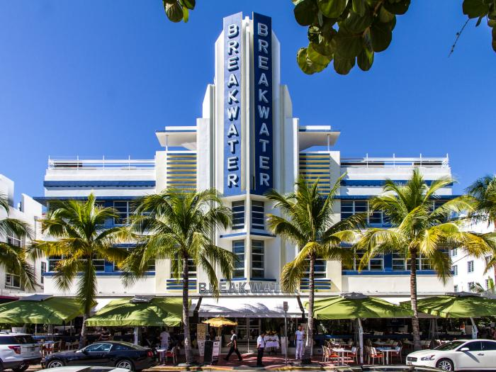 Hotel Breakwater - Miami Beach