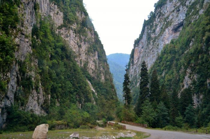ущелье реки Бзыбь в Абхазии