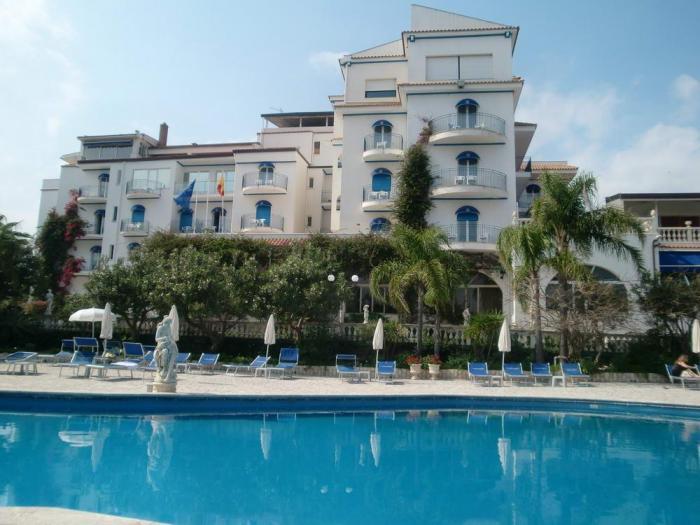 sant alphio garden hotel giardini naxos italy)